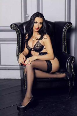 Анжела - проститутка для девушек от 4000 грн. в час