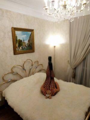 Танюша - полная лесби проститутка в Киеве