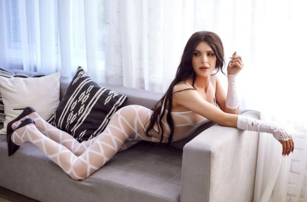 Диля, 25 лет - госпожа-страпонесса